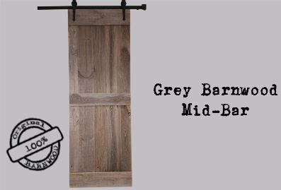 De Barndoor Mid-Bar  is verkrijgbaar in verschillende maten Iedere barndoor wordt handgemaakt Deze schuurdeur is vervaardigd van vurenhout De deur zijn helemaal af in combinatie met de Barnslides. Welke deurmaat kies ik? De maat van uw deurgat + 9 cm = de afmeting van de deurbreedte.