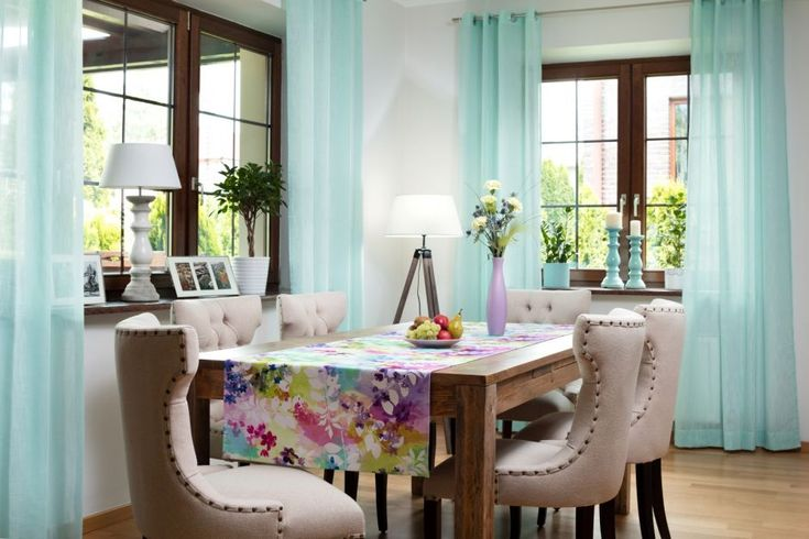 Pastels in dining room| Pastelowa jadalnia  #fotel #diningroom #spring #colorful #dekoria #armchair #romantic #interior #home #decoration #furniture  #chairs #pastel #flowers
