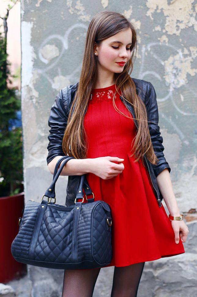 Czerwona Sukienka Czarna Kurtka Ze Skory Czarne Rajstopy I Sportowe Buty Ari Maj Personal Blog By Ariadna Majews Long Sleeve Dress Gorgeous Women Fashion