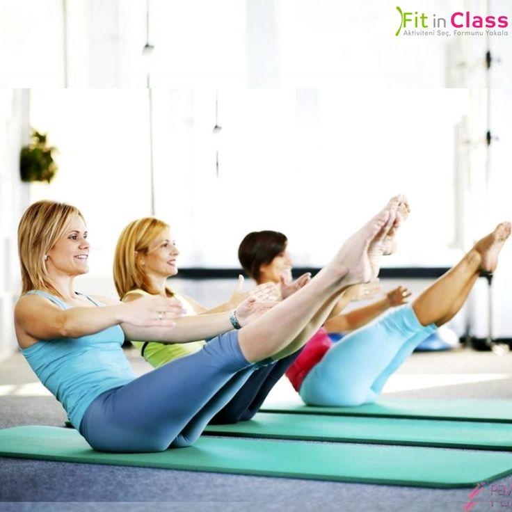 Özellikle karın ve bel bölgesindeki kasların çalışmasını sağlayan en temel egzersizlerin başında gelen crunch egzersizi, klasik mekik çekme hareketine benzese de bel için daha sağlıklı ve karın kasları için daha verimli bir harekettir. Crunch grup dersleri fitinclass.com'da!