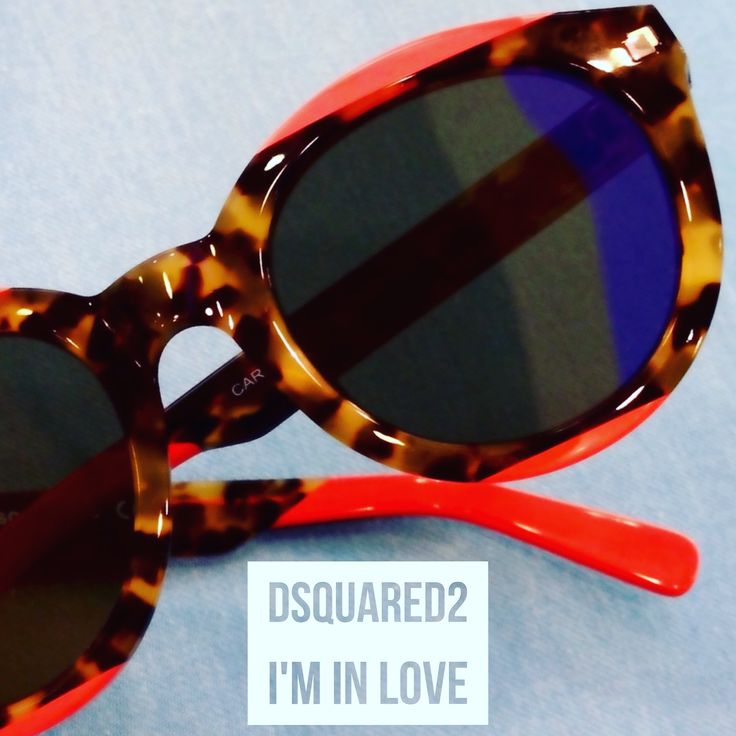 Nuevo, fresco, diferente y.... Tannnnn bonito!!!!! @dsquared2 no nos puede gustar más! ❤️🔝❤️🔝❤️🔝 . . . . . . #dsquared2 #fashionblogger #blogger #instyle #fashion #moda #modabonita #ramallal #plazadelugo #coruña #coruñagram #coruñacongafas #estilocoruñes #diseño #igerscoruña #saludvisualconestilo #coruñavanguardiadelamoda #gafas #gafasdesol #spectacles #sunglasses #sunnies #shades #cool #coral #atodocolor