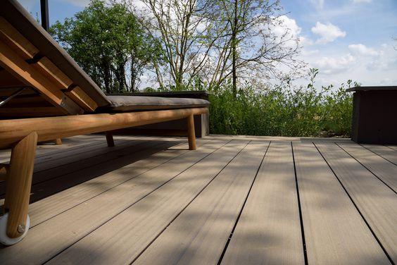 Anche quest'anno #WoodnIndustries e #GreenwoodVenice sono presenti al #Fuorisalone con un progetto pensato per stupire e ispirato a un grande #architetto. La #Crystal #Suite si trova tra le colline di #Monferrato, fuori dal centro di #Milano, ma verrà presentata per il #SalonedelMobile  in via Montenapoleone 20, dal 12 aprile al 16 (10.00 - 19.00), dove è stata installata una piattaforma #Greenwood nella sua finitura Loft, colore #Ebano. #edilpuglia #woodn #decking #legno
