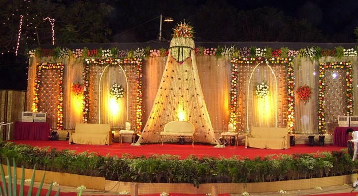 I love finding different types of wedding stage decorations and wedding mandap decorations. Here are a couple of beautiful wedding stage de...