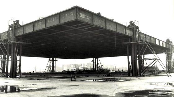 Stahldachkonstruktion-der-Neuen-Nationalgalerie_image_width_560.jpg (560×314)