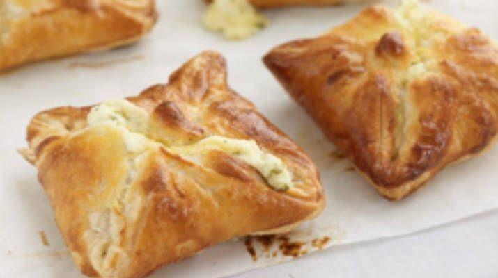Теперь можно свободно купить слоенное дрожжевое тесто, что значительно сокращает время на приготовление некоторых блюд. …