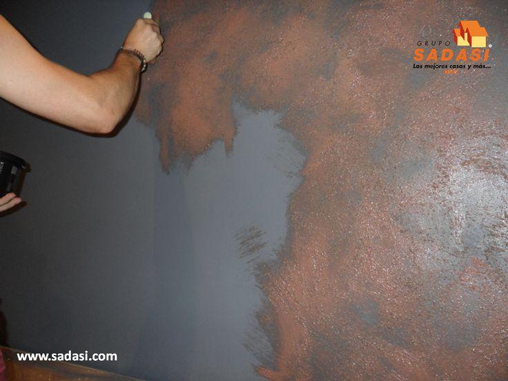 #decoracion LAS MEJORES CASAS DE MÉXICO. Si su hogar tiene una decoración de estilo industrial, puede usar en las paredes un efecto oxido. Esto se logra aplicando un color oscuro de fondo y sobre éste, una capa de pintura mate con una manopla, dándole varias pasadas. En Grupo Sadasi, contamos con diferentes modelos de casa, para que elija la que más le guste. www.sadasi.com