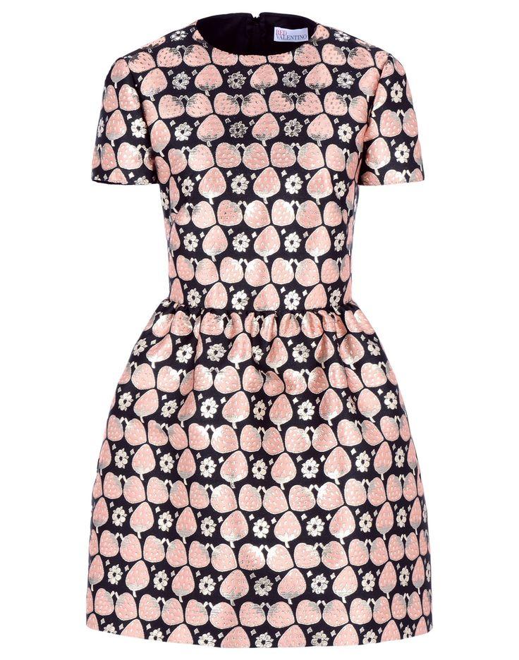 Ma la bellezza di questo abito REDValentino? È della collezione primavera-estate 2016 e il mio compleanno è giusto a fine maggio :-)