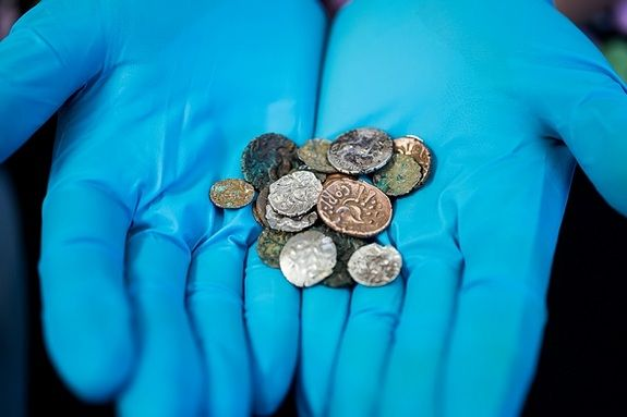 Ancient Coins Found Buried in British Cave - Yahoo News Philippines