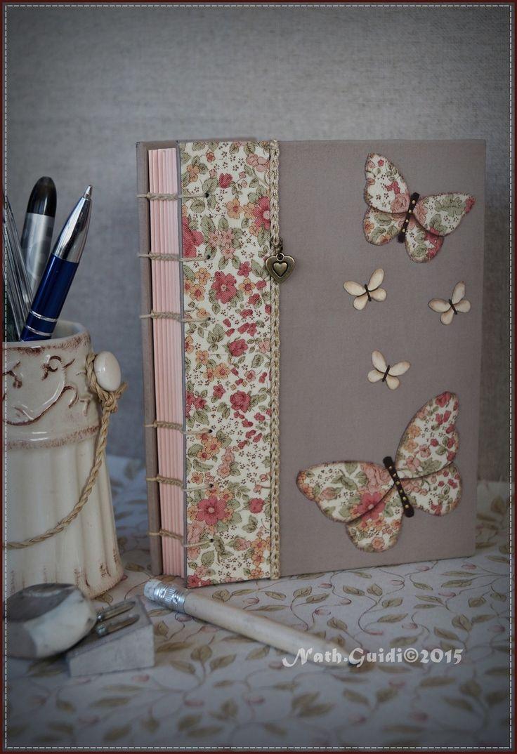 Carnet relié main, couverture en tissu bordure fleurie, orné de papillons : Carnets, agendas par la-fee-chiffonnee