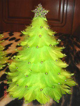 Елочка из перьев - Новогодние поделки