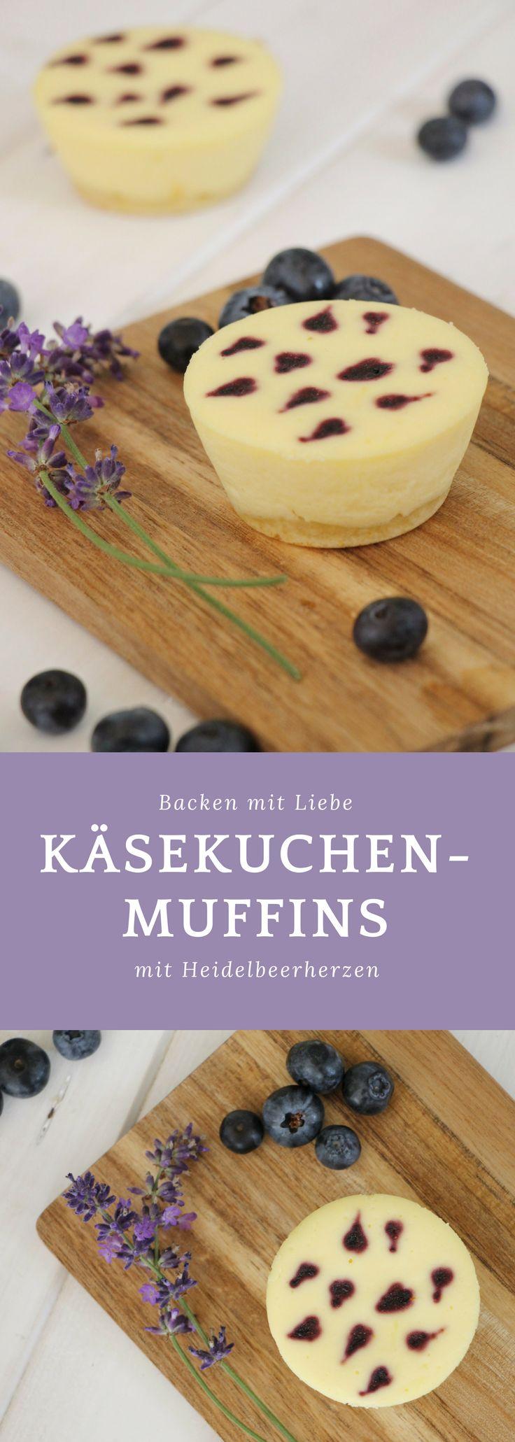 Nicht nur als Valentinstag Backidee, sondern auch als Geburtstag Törtchen oder einfach nur so sind die Käsekuchenmuffins ein tolles Rezept. Das Käsekuchen Rezept kann auch gut am Vortag zubereitet werden. Durch die Heidelbeeren Herzen sind die Muffins fruchtig.