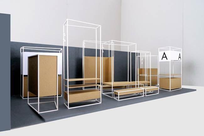 """Julia : Ich finde interessant diese ganz minimal structure INCLUNDING seats. Ich finde wichtig vieilleicht ein """"kollektiv module"""" in diese Ausstellungssysteme integrieren (so die Schüler und besucher kannst zusammen sitzen)"""
