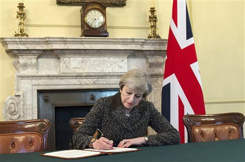 29 Μαρτίου 2017: Το Ηνωμένο Βασίλειο γύρισε την κλεψύδρα του Brexit ~ Geopolitics & Daily News