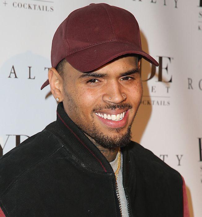Chris Brown : Entouré de plusieurs femmes, il se venge de son ex Karrueche Tran