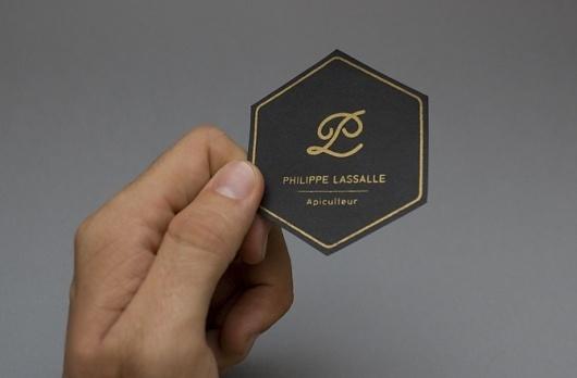 Ivan Rodéo Rodriguez • Designer graphique indépendant• Graphiste indépendant • freelance • photographe  Tagged branding, honey, philippe, miel