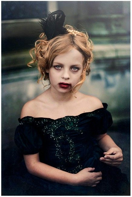 Vampire girl - make up and costume ideas.