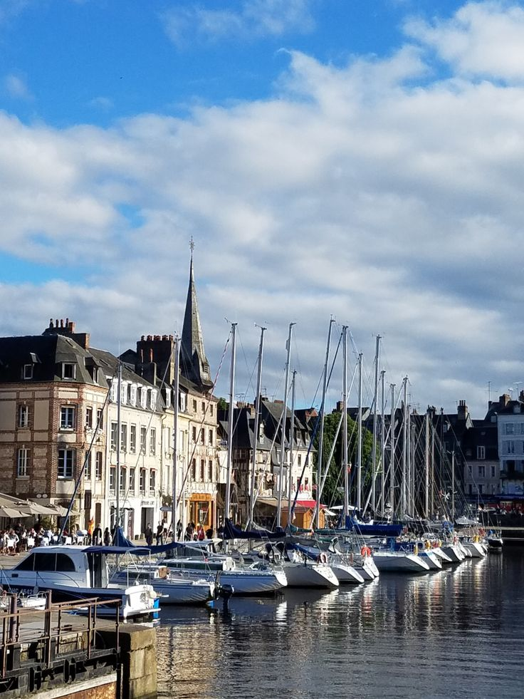 After much research and map-reading we chose Honfleur as our homebase for five nights in Normandy. Honfleur puts you a little over an hour from Giverny, within an hour of Rouen, D-Day sights, Caen,…