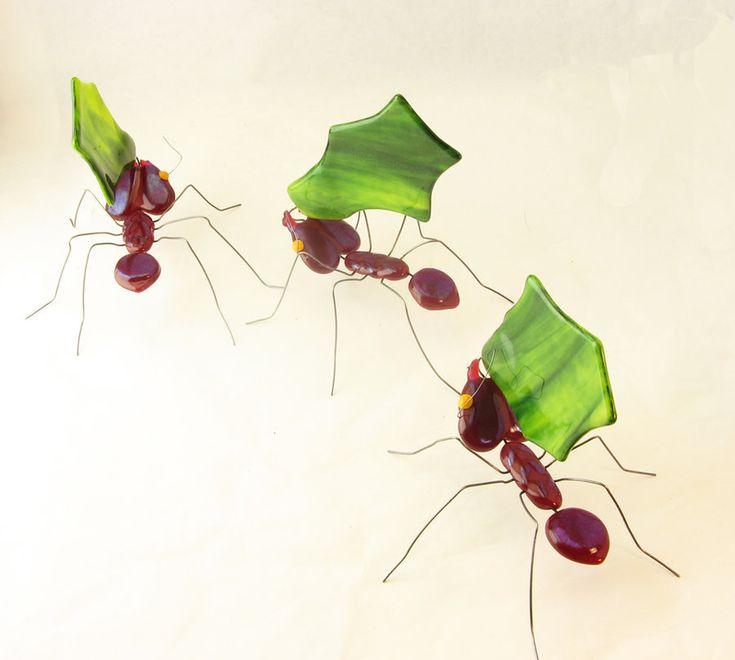 Fused Glass Leaf-Cutter Ants