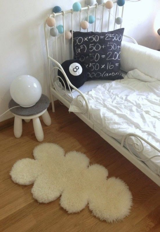 Easy DIY: Cloud sheep rug