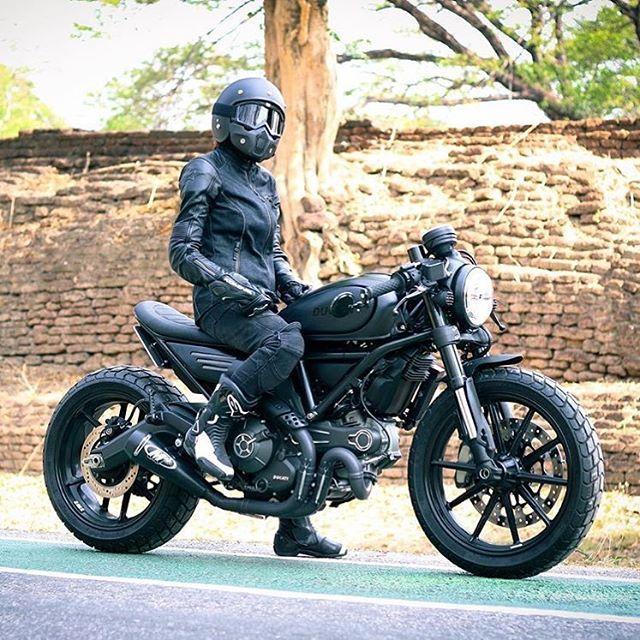 Full Throttle Café Racer Scrambler! Photo: @smp.bk #ducatistagram #ducati… More