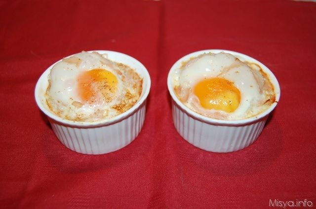 cocottine uova e funghi