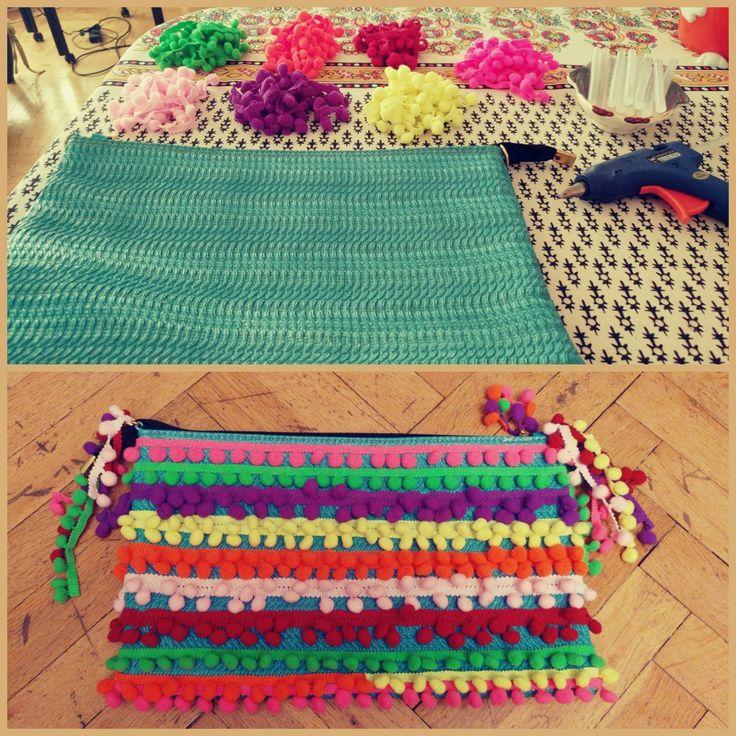 çanta süsleme, ben yaptım, diy, do it yourself, DIY, diy project, kendin yap, handmade, el yapımı, el emeği, bag, çanta, ponpon çanta, rengarenk
