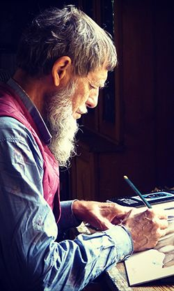 Deepak Chopra je uznávaný lékař, spisovatel arespektovaný odborníkv oblasti osobního rozvoje. Vnásledujících odstavcích stručně shrnuje desatero rad pro šťastnější život. 1. Meditujte Když chcete nalézt rovnováhu, udělejte si dostatek času na celistvost azdraví duše itěla. Meditace je cesta kuvědomění si sebe sama. Je to proces zjištění, kým opravdu jsme. V tomto stavu nalézáme spirituální pochopení,…