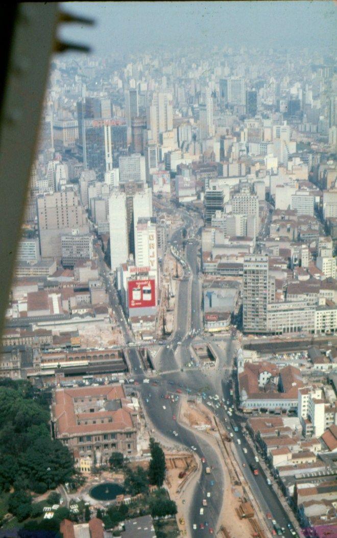 obras do metro de SP - Estação Tiradentes em 1972 (foto estah ao contrario, virada do avesso)