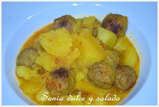 Patatas guisadas con albondigas, del blog Dulce y Salado