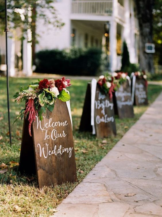 Hand lettered wooden signage to welcome your guests with true style / http://www.deerpearlflowers.com/rustic-outdoor-wedding-ideas-from-pinterest/