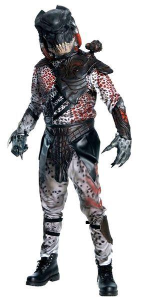 Naamiaisasu; Predator Deluxe  Lisensoitu Predator Deluxe asu ( standardikokoisena Max. 175cm / 75 kg ). Alien vs. Predator (engl. AVP: Alien vs. Predator) on vuonna 2004 valmistunut 70 miljoonan dollarin budjetilla tehty toimintaelokuva. Sen ohjasi Paul W. S. Anderson, joka on itse Alien-sarjan ja Ridley Scottin suuri fani. #naamiaismaailma