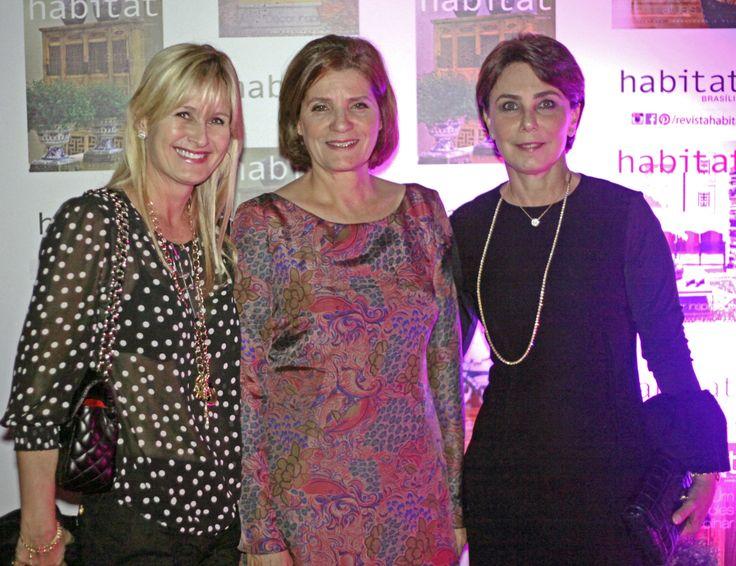 Maria Cláudia Brandão, Elaine Verçosa e Mônica Santos na inauguração da Mostra Casa Viva. #casaviva #habitatnacasaviva