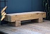 Nice chunky, rustic and modern bench.
