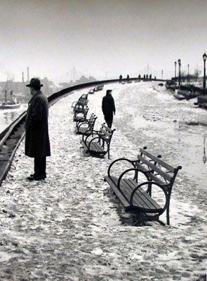 East River Esplanade NYC 1948: East River Kertesz 1948, Andre Kertesz, André Kertész, New York, River Esplanade, Rivers, Photography
