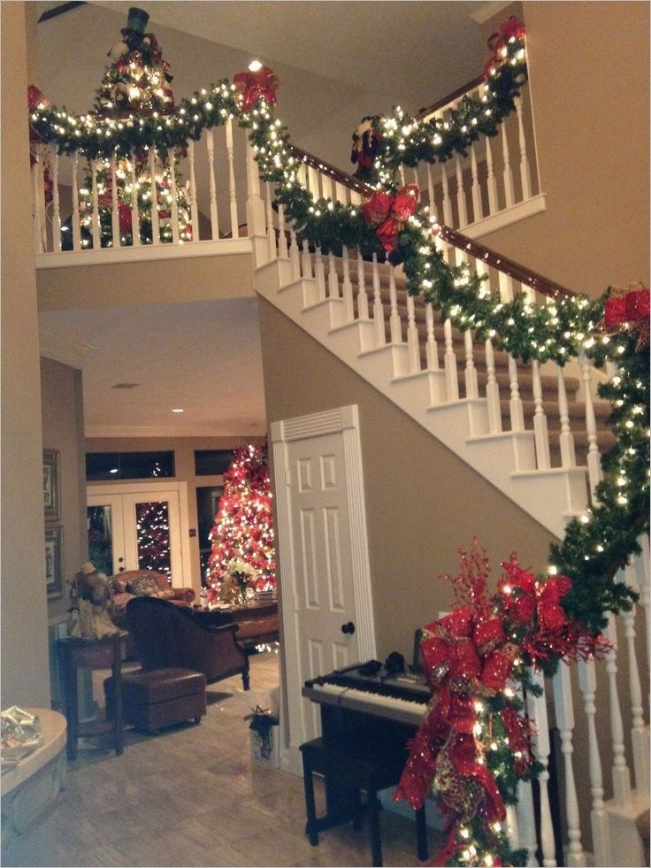40 Perfect Stairs Christmas Decorating Ideas 78 551 Best Christmas