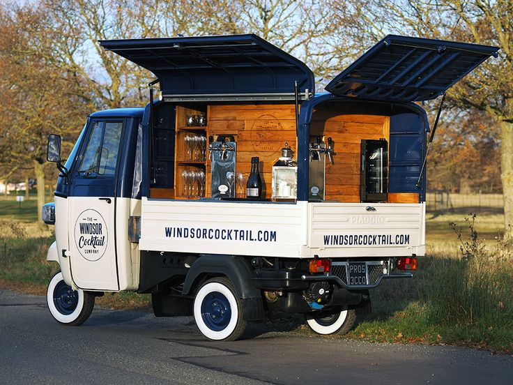 The Prosecco Van has 4 draft pumps, serving frizzante, rose frizzante and we can also provide lager, beer & cider.