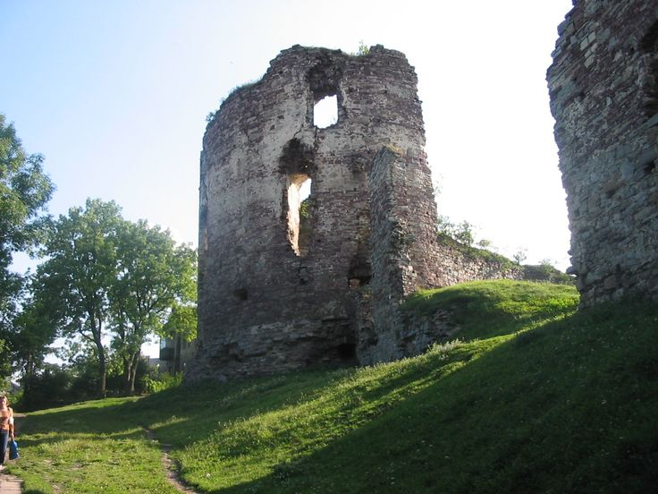 Buchach Castle...In the 16th century  I'm crazy in love with the castles in ruins. They're haunting and call to me. NBKJ