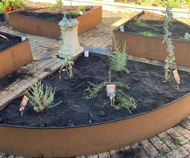 Corten Steel Wicking Beds Diy Self Watering Planter 400 x 300