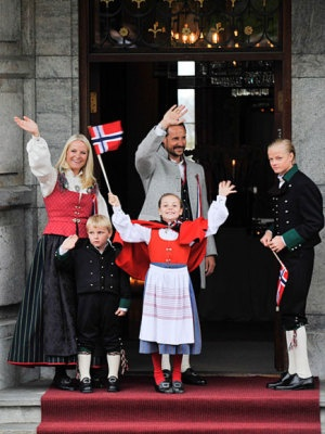 The Crown Prince of Norway and Crown Princess' family greets the Children's Parade in Asker outside Skaugum Estate 2012