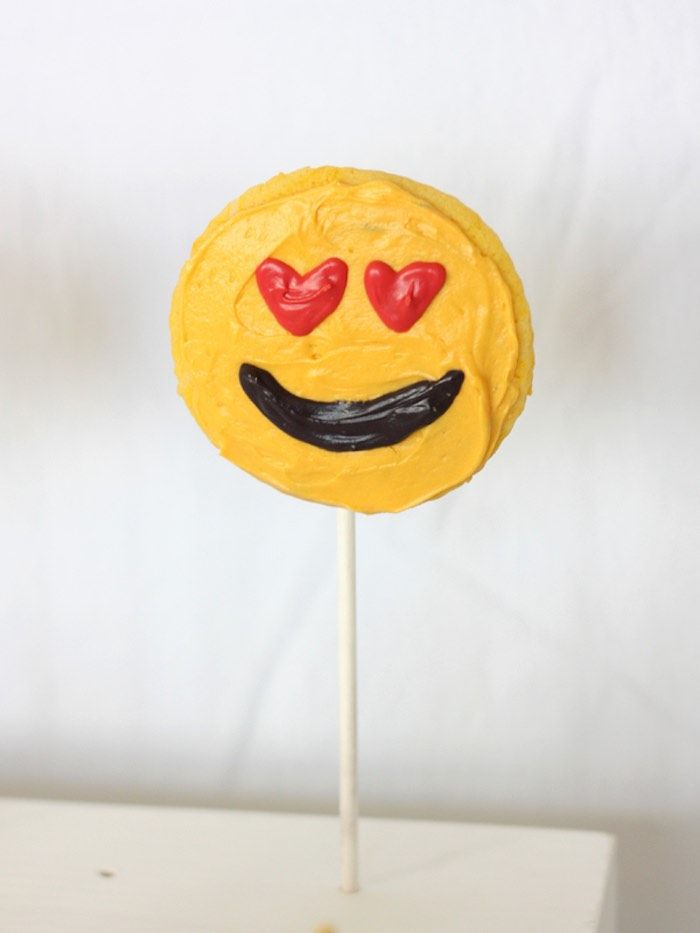 Emoji Cookie from an Instagram Emoji Themed Teen Birthday Party via Kara's Party Ideas - The Place for All Things Party! KarasPartyIdeas.com (13)