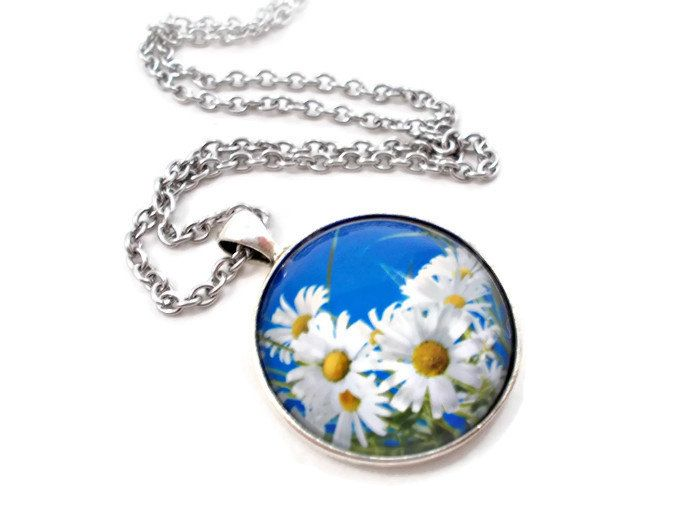 White Daisy Necklace, Daisy Pendant, Blue and White Necklace, Gifts Under 20, Flower Pendant, Spring Jewelry, Summer Jewelry, 18 inch by foreverandrea on Etsy