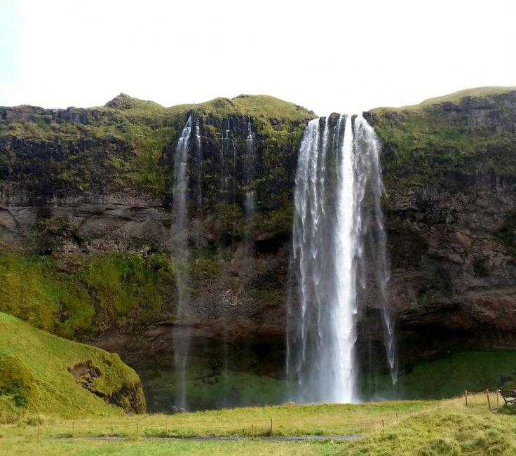 Come and enjoy Eyjafjallajökull, Waterfalls & Gígjökull Glacier Super Jeep Tour from Reykjavik with Tourboks.