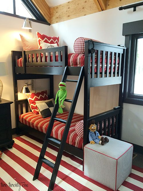 HGTV Dream Home Children's Bedroom 1 I need to do this for my kids because they all end up in the same bedroom anyways!