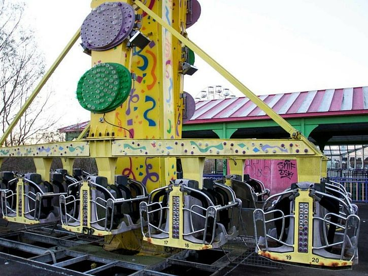 Best Abandoned Amusements Images On Pinterest Abandoned - 10 years hurricane katrina six flags theme park new orleans still lies abandoned 10 years