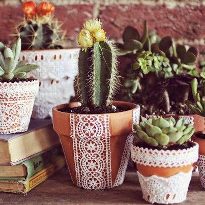DIY lace terracotta pots
