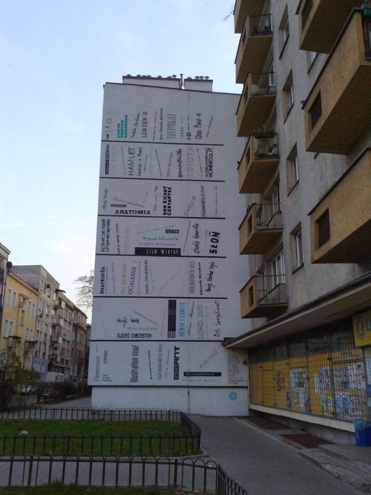 Typomural #read #books #streetart