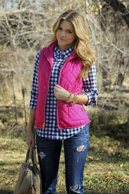 Awesome, nice fall football game outfit or for a winery tour,