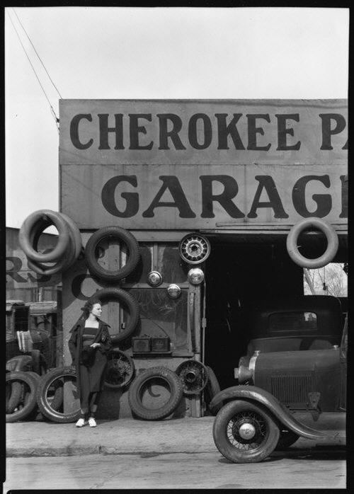 I like this Walker Evans image because it is able to capture a lot without feeling crowded or busy.