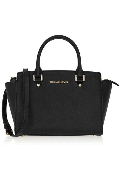 (350€) Black leather (Cow) Zip fastening along top Weighs approximately 2.4lbs/ 1.1kg