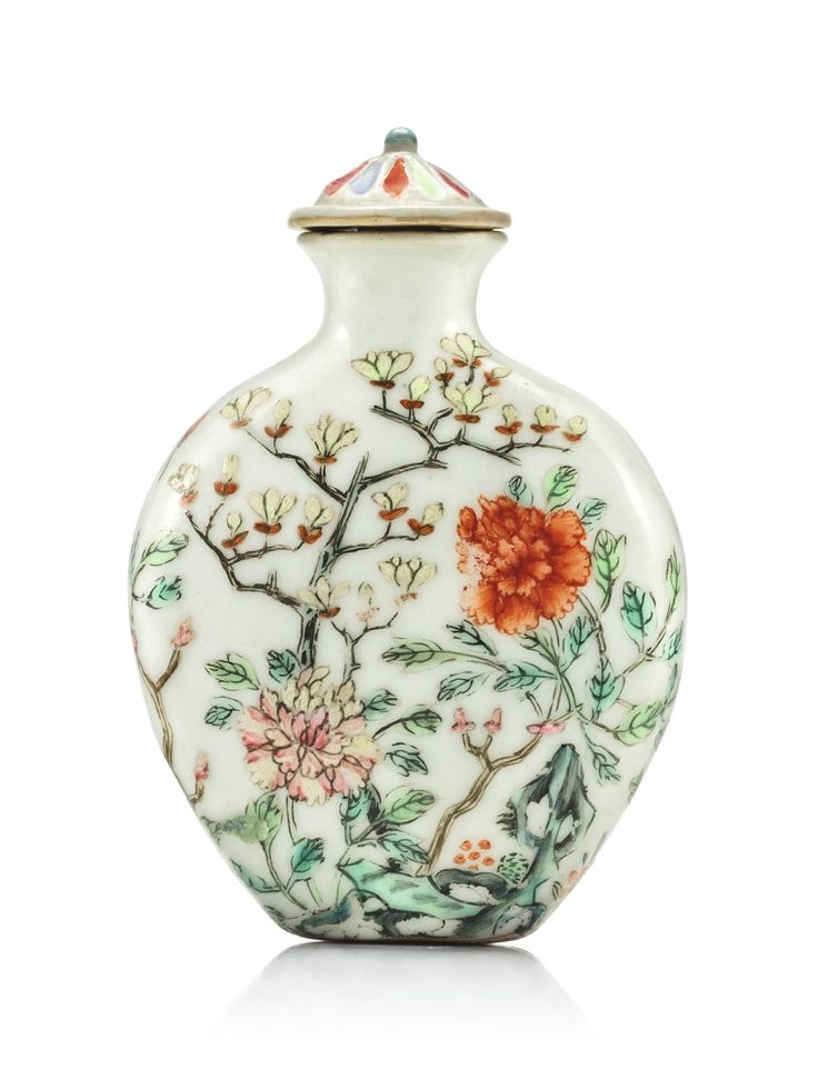 A FAMILLE-ROSE 'PEONY AND MAGNOLIA' SNUFF BOTTLE QIANLONG SEAL MARK AND PERIOD…